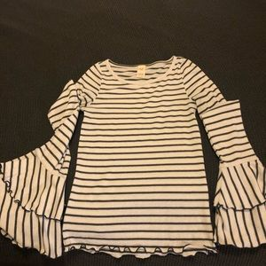 Free People - Long sleeve gray striped shirt